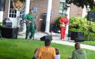 The Harwich Port music strolls have been a big success, but selectmen are concerned about loud music coming from Port restaurants during the summer. FILE PHOTO  (photo: )
