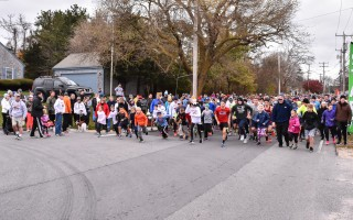 Runners and walkers of all ages set out on the 2016 Chatham Turkey Trot on Thanksgiving morning. Kat Szmit Photo  (photo: Kat Szmit)