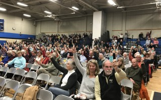 Chatham special town meeting votes on purchase of the Eldredge Garage property. TIM WOOD PHOTO  (photo: )