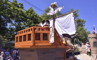 The Bridge Street Buccaneer float was last year's grand prize winner, and will lead this year's parade. KAT SZMIT PHOTO  (photo: Kat Szmit)