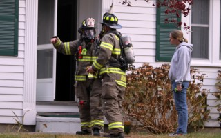 Chatham firefighters donned air packs to search the home late Monday morning. ALAN POLLOCK PHOTO  (photo: Alan Pollock)
