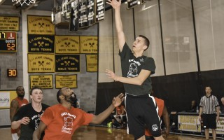 Former Monomoy point guard Chris Mazulis was back in action in last weekend's Billingsgate Tournament. Kat Szmit Photo 