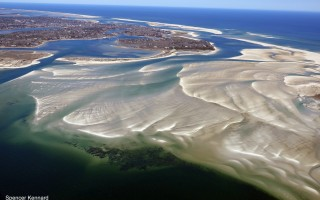 Extensive shoaling south of Crescent Beach has cut off easy access between Nantucket Sound (lower left) and the Atlantic (upper right) . SPENCER KENNARD  / www.capecodphotos.com  (photo: Spencer Kennard / www.capecodphotos.com)
