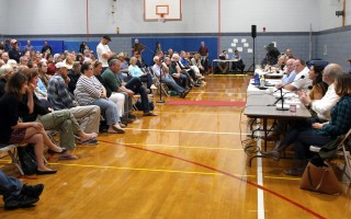 Several hundred people crowded the gymnasium at Wellfleet Elementary School for the Sept. 27 meeting. ALAN POLLOCK PHOTO  (photo: Alan Pollock)