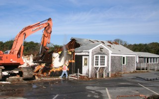 The old town hall annex was torn down in 2009 to make way for the current annex and police station. FILE PHOTO  (photo: Alan Pollock)