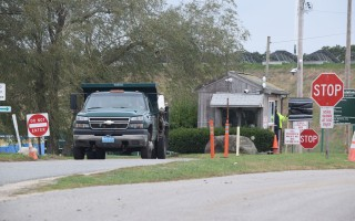 The current transfer station and recycling center suffers from confusing traffic flow, safety and noise problems and inefficiency, town officials say. FILE PHOTO  (photo: Tim Wood)
