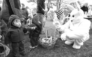 The Easter Bunny makes friends with a youngster at the egg hunt at Chase Park in April 2009. CHRISTOPHER SEUFERT PHOTO    (photo: )