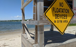 More signs are likely on the way for Oyster Pond Beach, warning swimmers of seals and sharks. ALAN POLLOCK PHOTO  (photo: Alan Pollock)