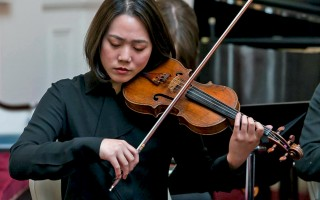 Jean Huang, violin, performing in a Cape Cod Chamber Orchestra concert. JEAN KIRBY PHOTO  (photo: Jean Kirby)