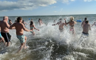 Last year's April Fools' Swim saw 45 degree air temperatures with a robust wind chill, and 41 degree water temps.  FILE PHOTO  (photo: Alan Pollock)