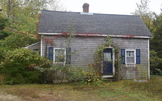 The cottage at 70 Depot Rd. began its life as an ice cream parlor on North Beach. It is slated to be removed according to plans for redevelopment of the Monomoy Theatre property. TIM WOOD PHOTO   (photo: Tim Wood)
