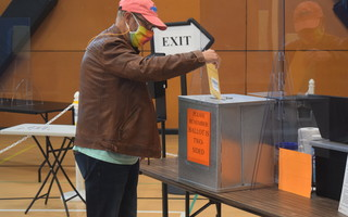 Early voting in Chatham Monday. TIM WOOD PHOTO  (photo: )