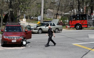 Two of the four vehicles came to rest in the middle of the intersection.  ALAN POLLOCK PHOTO  (photo: Alan Pollock)