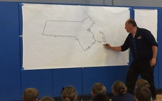 Geography Man Neil Nichols presented the Geography Game Show at Chatham and Harwich elementary schools last week, sponsored by the schools' PTOs. JENNY WOOD PHOTO 