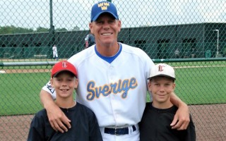 Former Major League pitcher Dennis Cook, joined here by sons Asher and Dawson, will be joining the coaching staff of the Chatham Anglers for their 2018 season. PHOTO COURTESY OF MISTER BASEBALL  (photo: )